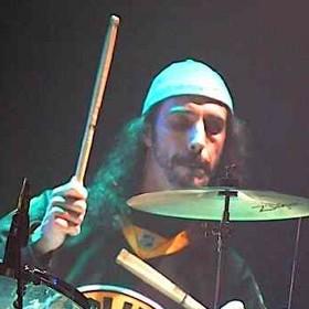 Lou Caldarola of Kicksville : Modern Drummer