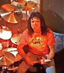 "Adolfo ""Fofi"" Lancha of Sabado Gigante/Don Francisco Presents : Modern Drummer"
