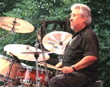 Ernie Durawa of Texas Tornados : Modern Drummer