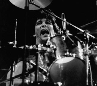 Rod Morgenstein of Dixie Dregs in Modern Drummer Magazine