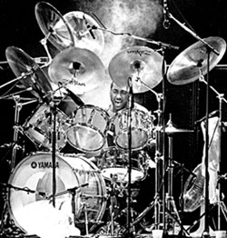 Tony Thompson Interviewed by Modern Drummer