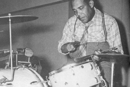 THE EVOLUTION OF JAZZ DRUMMING : Modern Drummer