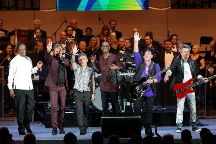 Journey, With Omar Hakim Coming in at the Eleventh Hour on Drums, Breaks Record at the Hollywood Bowl