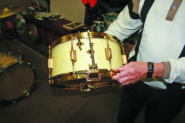 1929 Leedy Dual snare in white marine pearl finish