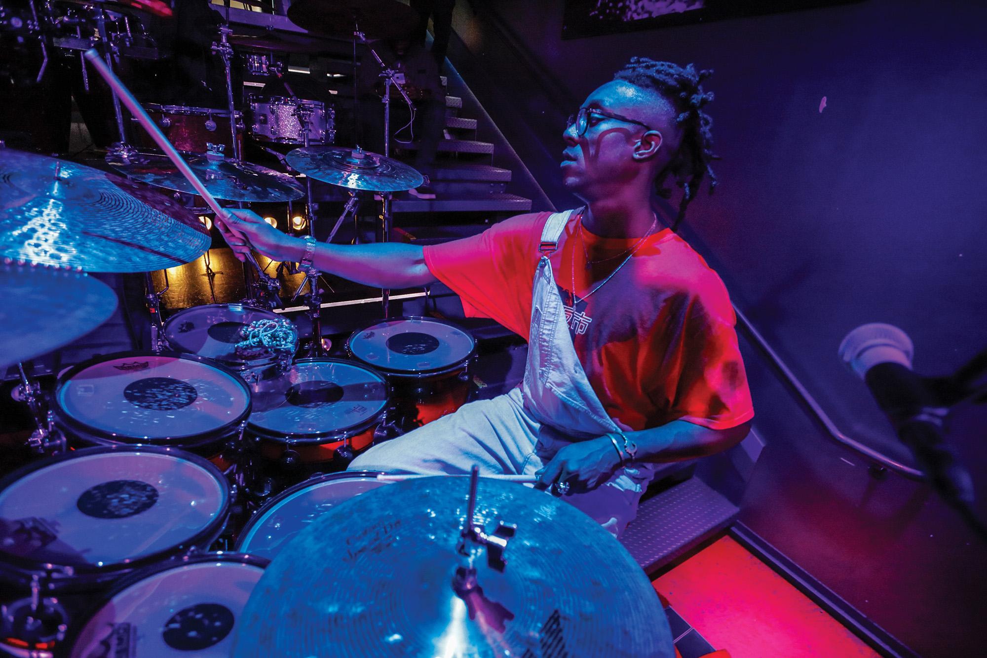 Stanley Clarke's Mike Mitchell - Modern Drummer Magazine