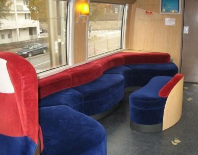 In der französischen Eisenbahn sitzt es sich plüschig (Bild: Gilbert Bochenek, CC BY SA 3.0)