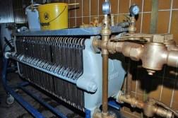 München-Perlach, Forschungsbrauerei, die Filteranlage (Bild: blog-ums-bier.de, 2009)