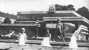 """Potsdam, Restaurant """"Minsk"""" (Bildquelle: Architektur der DDR 28, 1979, 1, S. 620)"""