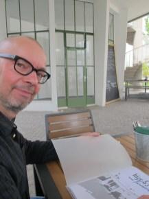 Daniel Bartetzko speist im Freiburger Turmcafé (Bild: Karin Berkemann)