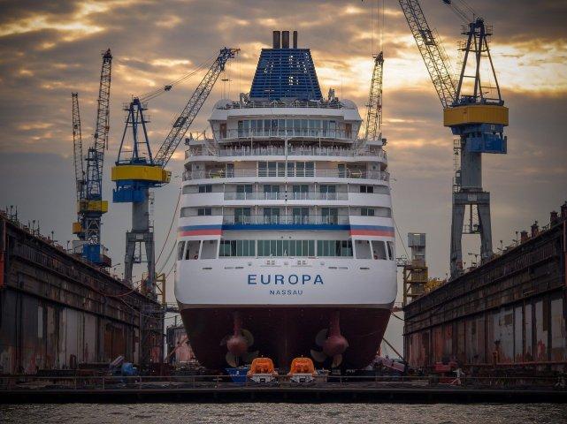 shipyard cruiseship