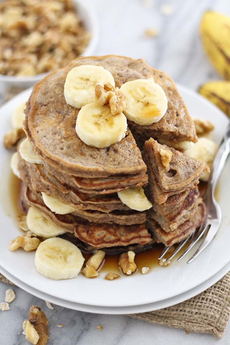 Fluffy and Flourless Banana Bread Pancakes