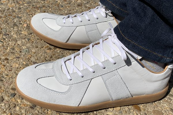 These 12 Low-Top Leather Sneakers for Men Might Be Dressy Enough for the Office