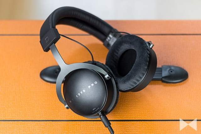Beyerdynamic-DT-1770-Pro auf Orange Amp