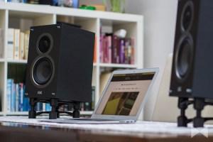 IsoAcoustics-Aperta Test der Lautsprecher-Stative mit Elac B5