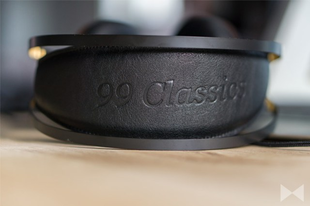 Meze-99-Classics Headphone