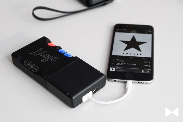 Chord-Mojo-Add-On mit USB-Adapter am iPhone 6