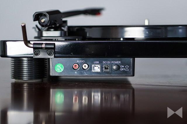 Auna TT Classic BK Retro Anschlüsse mit USB