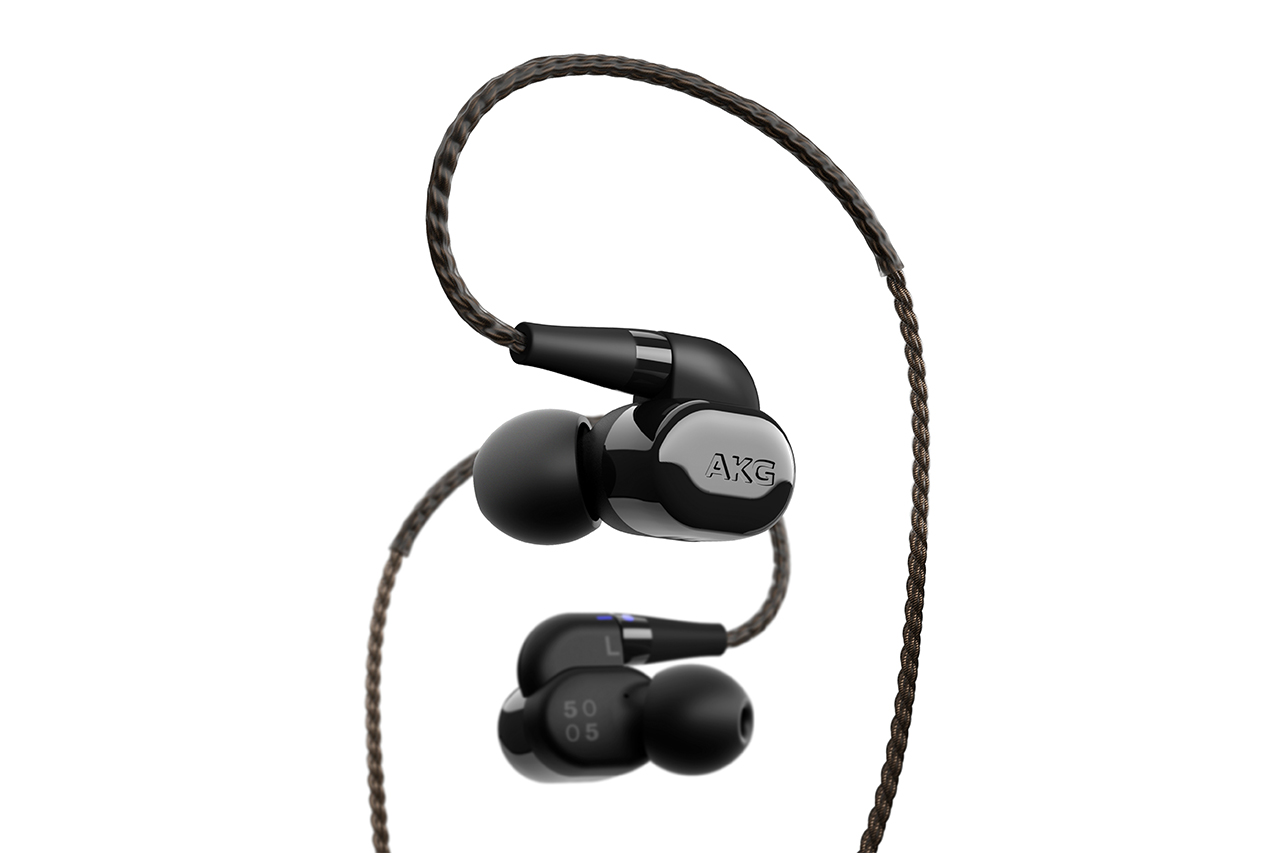 akg n5005 5 wege in ear kopfh rer mit bluetooth dongle. Black Bedroom Furniture Sets. Home Design Ideas