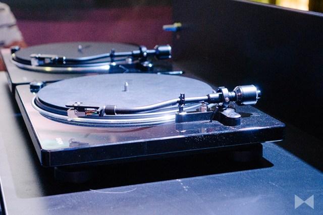 Denon DP-400 Plattenspieler mit Phonovorverstärker