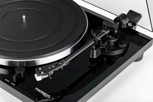 Thorens TD 201 / TD 202: Plattenspieler mit Phono-Vorverstärker