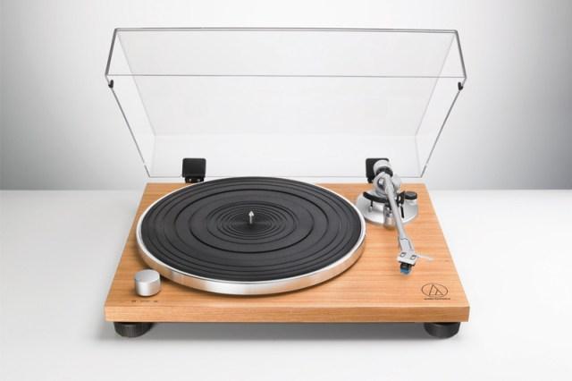 Audio-Technica AT-LPW30TK Plattenspieler