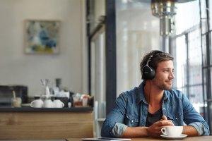Denon AH-GC30 / AH-GC25NC / AH-GC25W: Kopfhörer mit Bluetooth und Noise-Cancelling