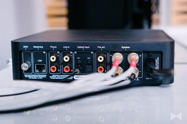 NAD Amp 1 Anschlüsse mit LAN und WLAN