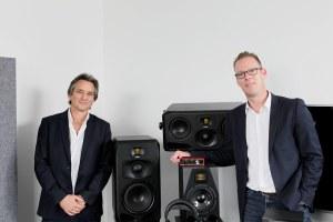 Focusrite schluckt Aktivlautsprecher von ADAM Audio
