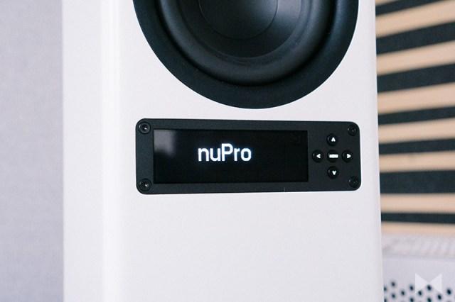 Nubert nuPro X-6000 OLED-Display