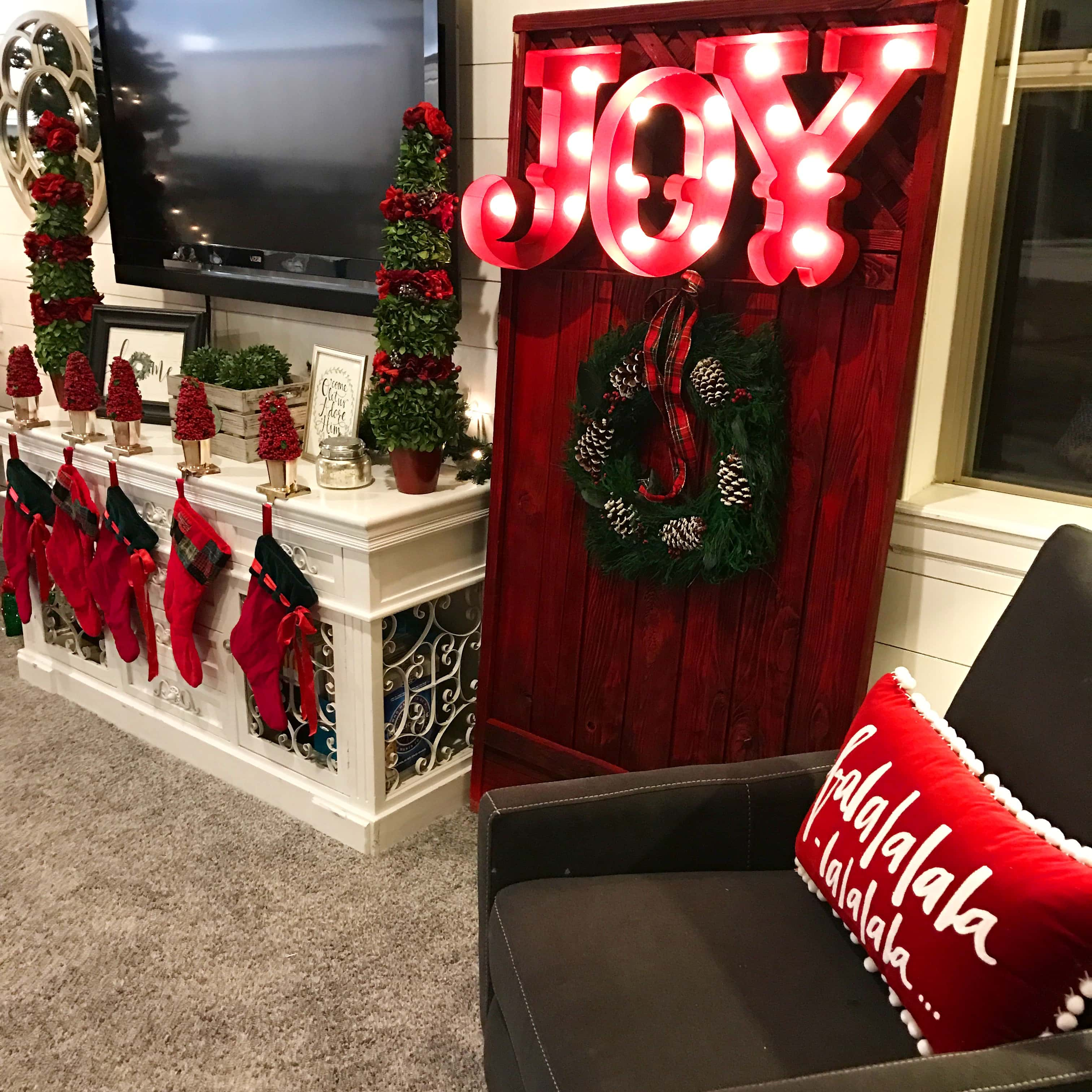 Christmas Decor Ideas by Modern Honey. Beautiful ways to transform your home for Christmas.
