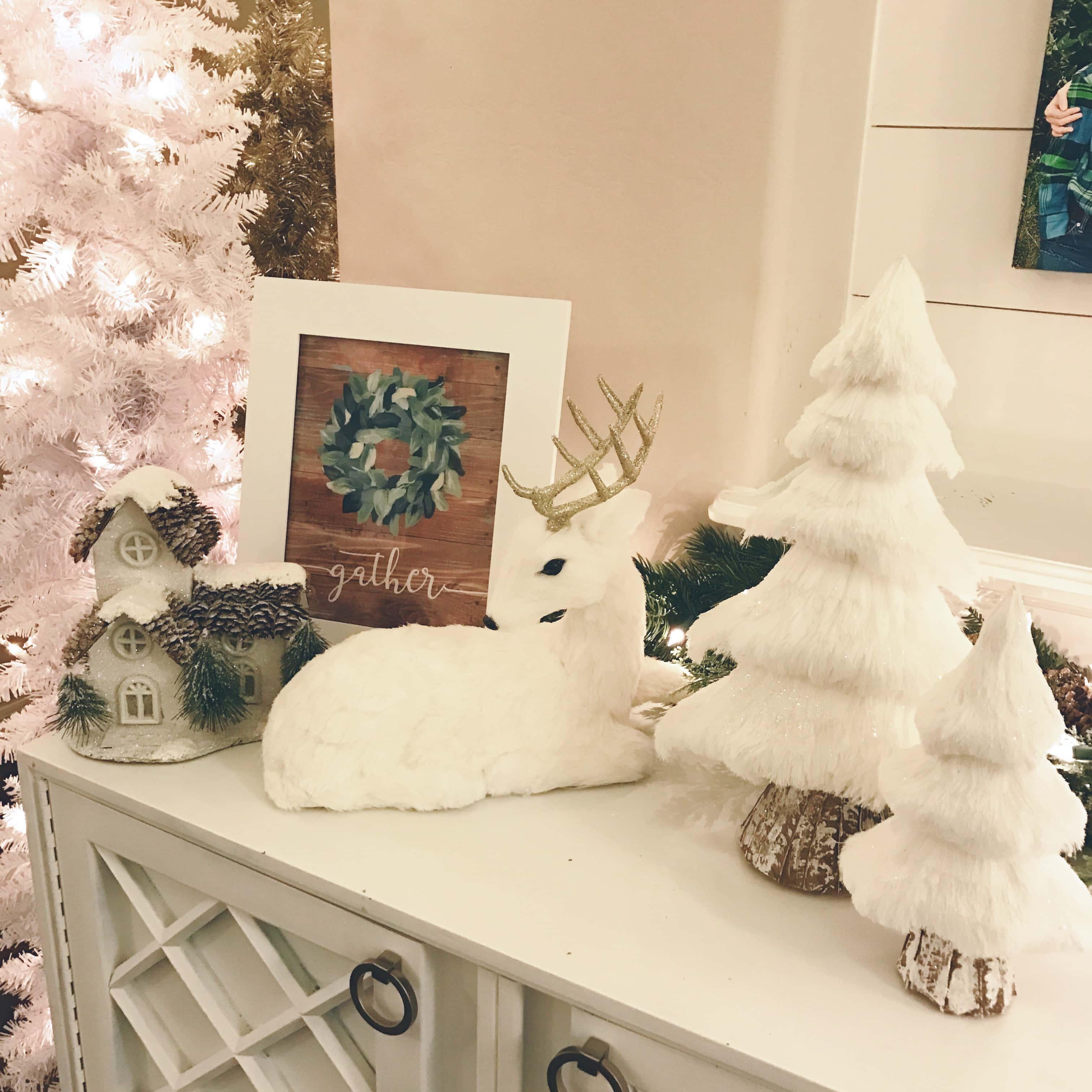 Christmas Decor Ideas by Modern Honey. Beautiful ways to transform your home for Christmas. Natural Christmas decor.