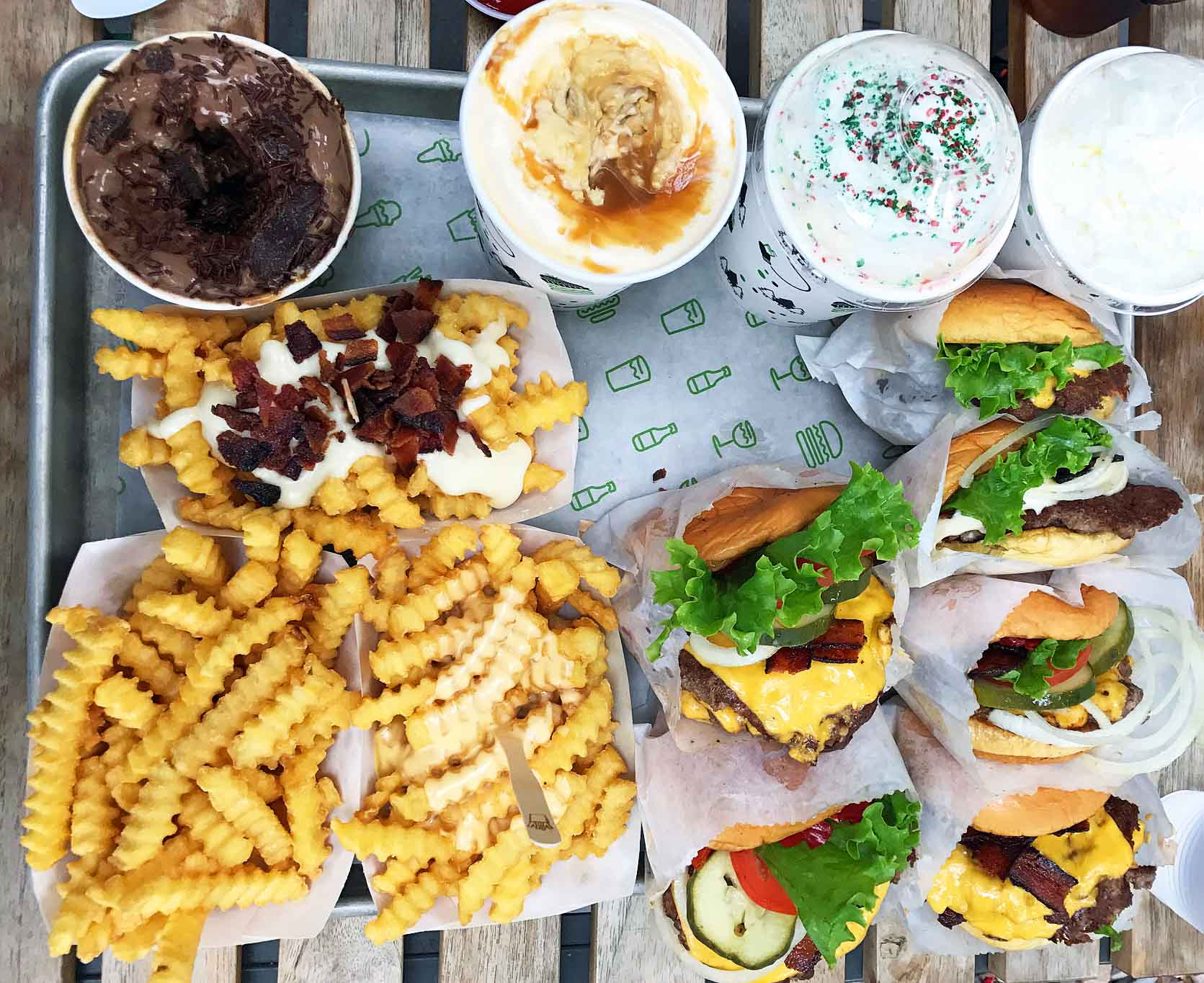 Shake Shack at Scottsdale Fashion Square. Best Places to Eat in Arizona by Modern Honey. A list of all of the favorite and most popular restaurants to eat in Arizona. Tips on the best items to order. www.modernhoney.com