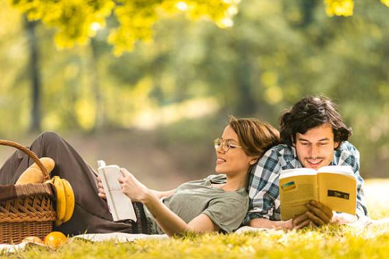 25 Great Books To Read If You're In A Long Distance Relationship