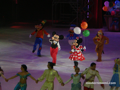Mickey and Minnie - Disney on Ice