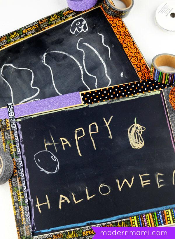 Simple Halloween Craft for Kids: Happy Halloween Chalkboard Sign