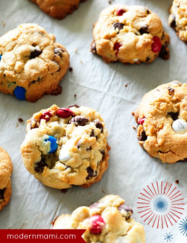 4th of July Treat for Kids: Patriotic Cookie Sandwiches