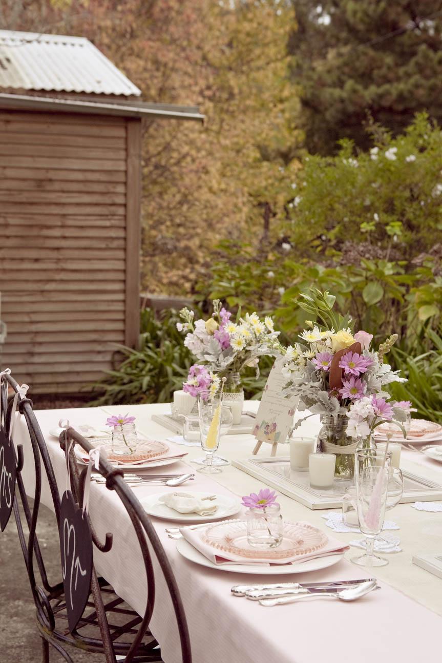 Inspiration: Wedding Table Decorations - Modern Wedding