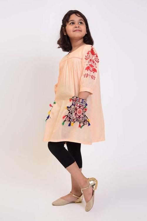 fashionable girls kurti