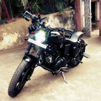 Royal Enfield Classic 350 'Wisdom 350' modified