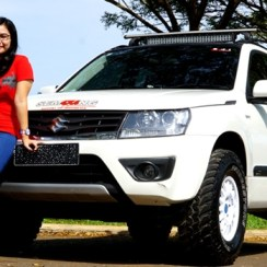 Modifikasi Mobil Suzuki Grand Vitara Off Road Cantik