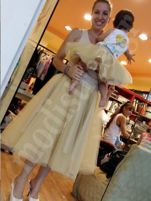 e957d21f627e Μαμά και κόρη ίδια ρούχα 06