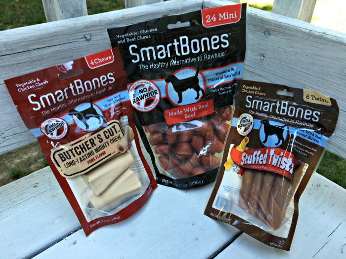 If you've never heard of SmartBones®, they are the healthy alternative to Rawhide®. SmartBones® chews are rawhide-free, highly digestible, and 100% delicious. @courtneycal401 #SmartBones