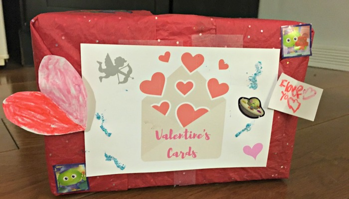 DIY Mailbox for Valentine's Day Cards