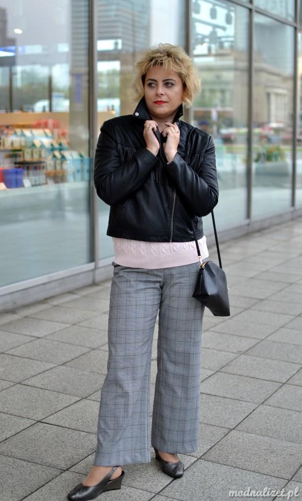 Spodnie w kratkę i ramoneska