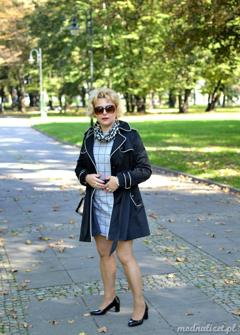 Krótki elegancki płaszcz