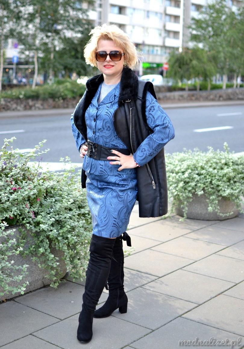 Żakiet i spódnica niebieska Modna Lizet