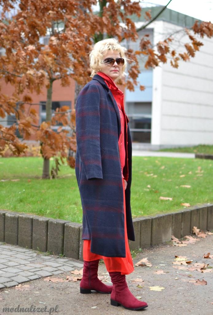 Red total Look Modna Lizet
