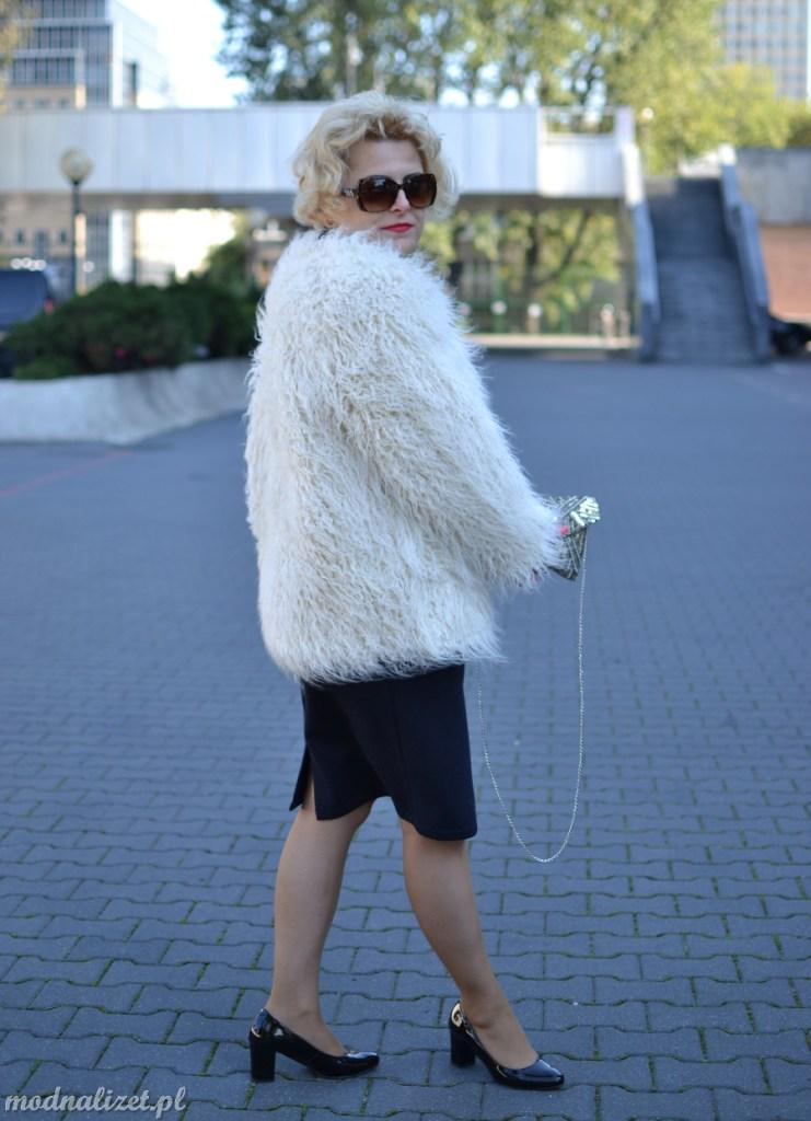 Klasyczne modne futerko