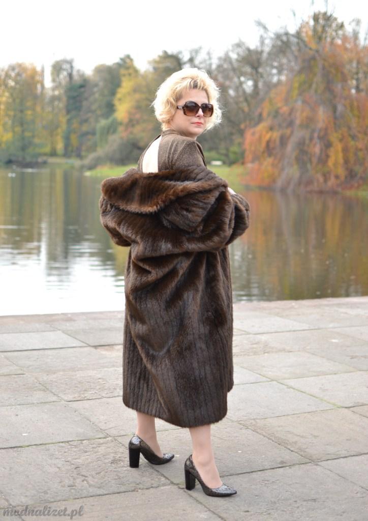 Sukienka i futro na zimę