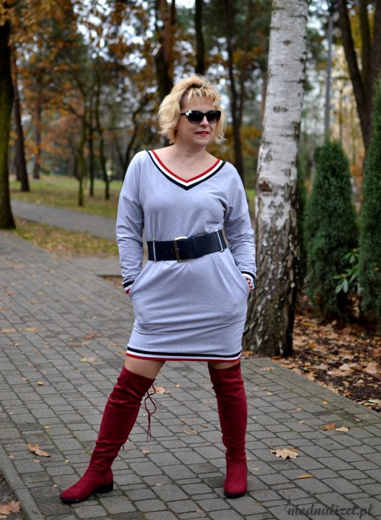 Modna sportowa sukienka